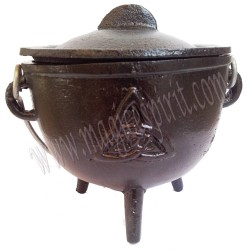 Caldero hierro colado simbolo Triqueta