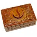 Caja de madera tallada yin yang