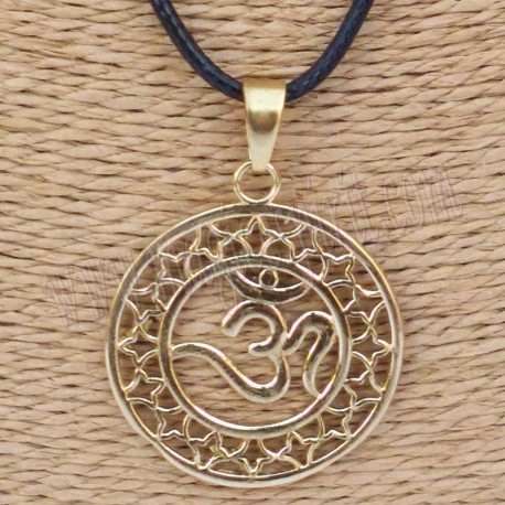 Colgante redondo con simbolo Om